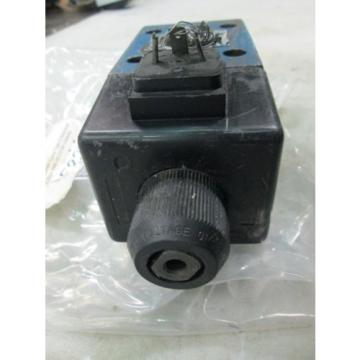 Mannesmann Rexroth Spool Type D Directional Control Valve #4WE10D33 Used