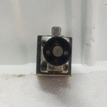 4WMD6D53/F origin Rexroth R900416029 Hydraulic  Directional spool valve Rotary Knob