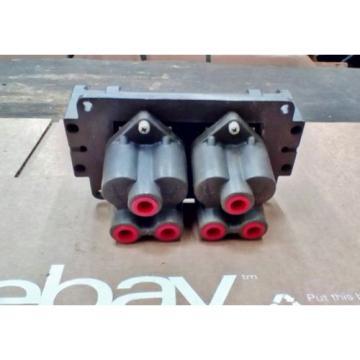 Rexroth PilotAIr Quadruple 3 Way ValveControl Valve P-58452-1 2-HA-4