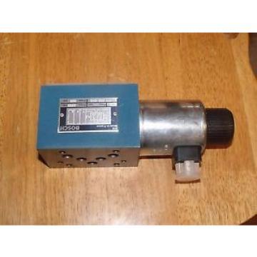 Bosch Rexroth 0 811 020 040 3500PSI Hydraulic Solinoid Spool Valve 24VDC Coil