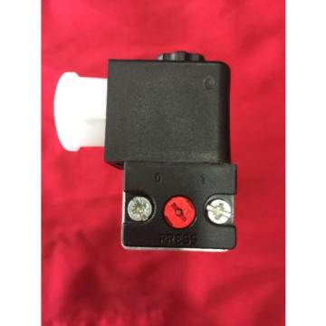 BOSCH-REXROTH Directional Control Valve 0820 033 990 with 1824210223 24v DC