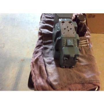 Rexroth Hydraulics servo valve, # 4WRDU 16 W200L-52/6L15K9/VR, free shipping