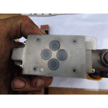 R900466583 Bosch Rexroth Hydraulic Directional Control Valve CETOP