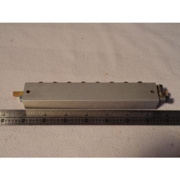 BOSCH REXROTH 1825503866 CONNECTION PLATE SUBBASE D4 8 Station Valve Manifold