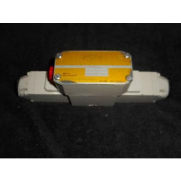 Mannesmann Rexroth Directional Control Valve 4WE6E13-51/AW120-60N9D/V/5 / 4WE6