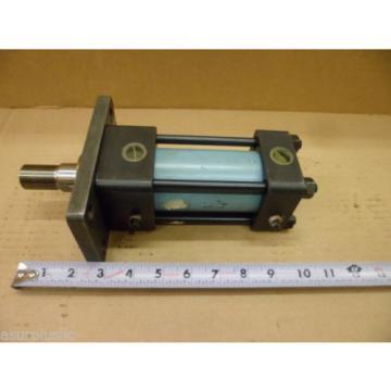 NACHI HYDRAULIC CYLINDER FJ-FAN1-50B-30TR-21  50mm BORE 30mm STROKE  NOS