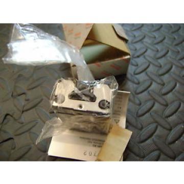 Rexroth MNR: R162289420 Linear Bearing Block