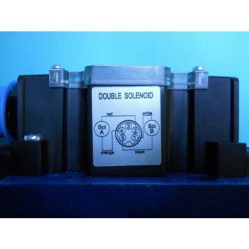 REXROTH R900977484 DIRECTIONAL CONTROL VALVE 4WE10J40/CG24N9DK25L Origin NO BOX