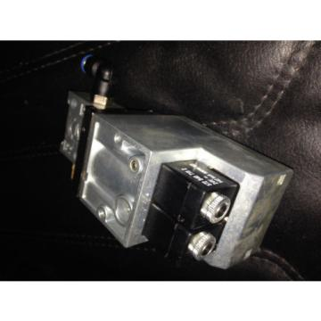 Mannessmann Rexroth pressure EPneumatic control valve 561 011 101 0 proportional